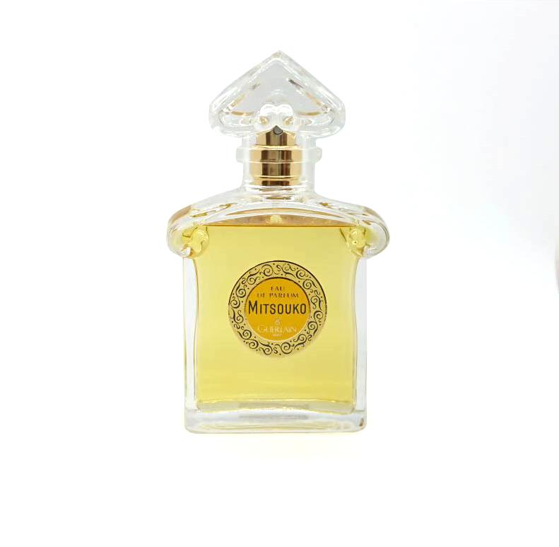 https://cdn.celes-perfume.com/wp-content/uploads/2018/10/Mitsouko.jpg-kai.png