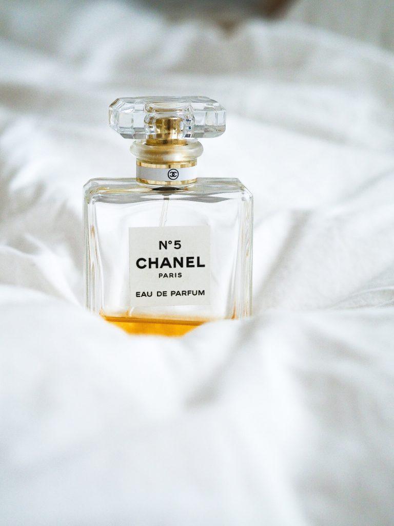 残り少ない香水の中身